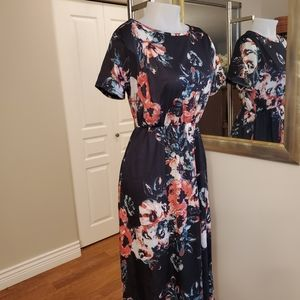 Floral Maxi Dress Sz Medium 35-37 bust.